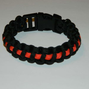 Armband Paracord thin red line 300x300 - Klettpatch FEUERWEHR RED FAMILY thin red line